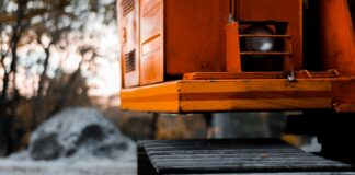 Signs Your Heavy Equipment Needs Maintenance