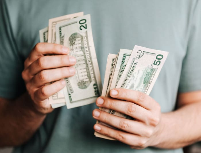 10 Limiting Beliefs About Money Holding People Back From Wealth