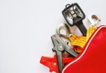 Must-Have Supplies for Your Car Emergency Kit
