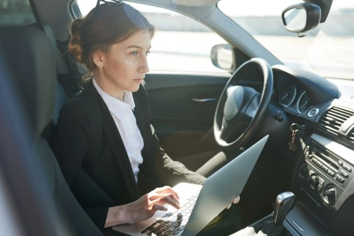 Ways To Turn Your Car into a Mobile Office